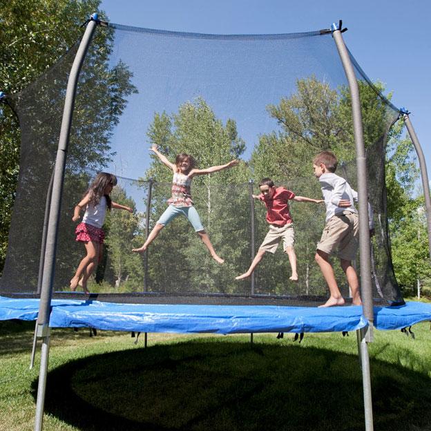 Sunt trambulinele sigure pentru copii?